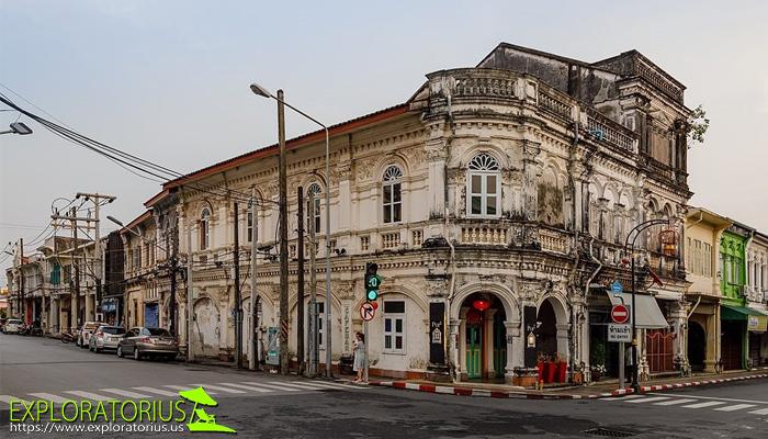 ดื่มด่ำเสน่ห์ย่านเมืองเก่าสุดคลาสสิกกับสถาปัตยกรรมชิโนโปรตุกีส จังหวัดภูเก็ต